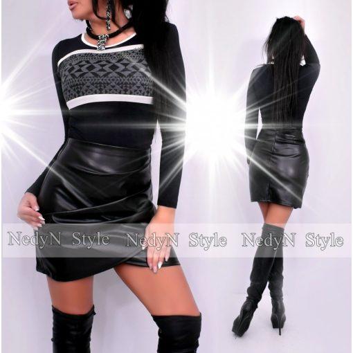 NedyN fekete kerekített nyakú női felső ezüst szegővel és szürke-fekete mintázattal