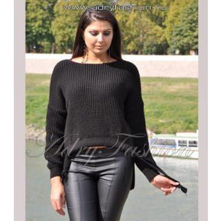Fekete kötött anyagú elől rövidebb hátul hosszabb női pulóver