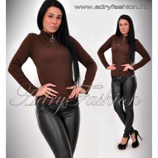 Lia sötét barna zipes magasított nyakú női felső
