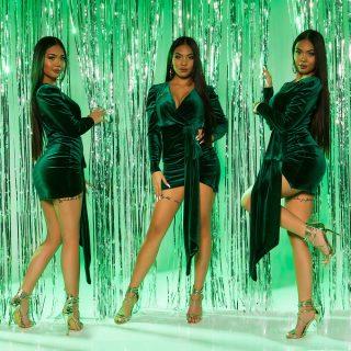 Zöld bársony alkalmi női ruha