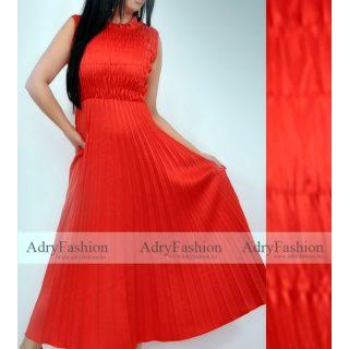 Piros színű  mellénél gumírozott plisszírozott maxi női ruha