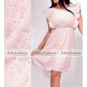 Halvány rózsaszín hímzett virágmintás fodros ruha