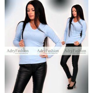 Világos kék színű  V kivágott puha kötött pulóver