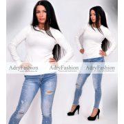 Fehér színű kerek kivágott puha kötött pulóver