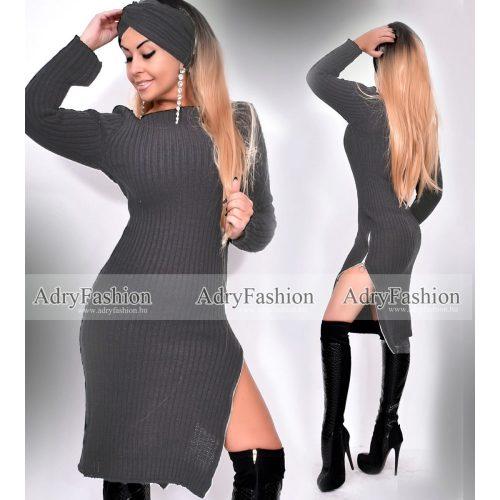 Sötétszürke színű kötött női ruha sapka-sállal
