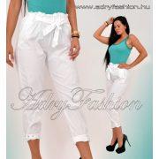 Fehér bokánál szegecses női nadrág
