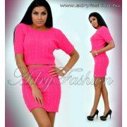 Pink színű két részes kötött felső és szoknya szett